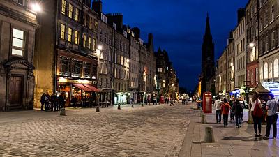 Abendbummel über die Royal Mile von Edinburgh